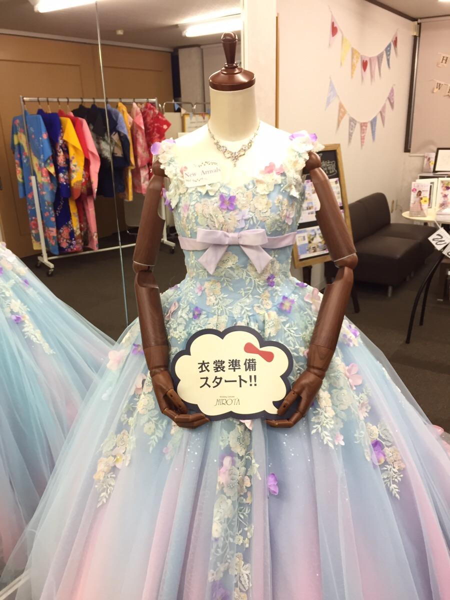 92e2714a94c24 ぜひ、この機会に新作ドレスをご試着してみてください
